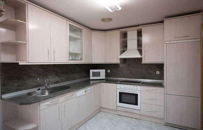 Apartamentos Gestion de Alojamientos - Room - 16