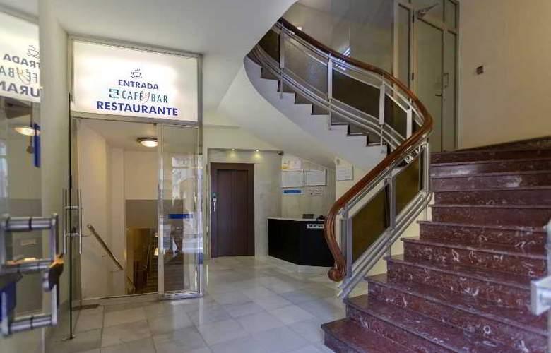 Torreluz Centro - Hotel - 10