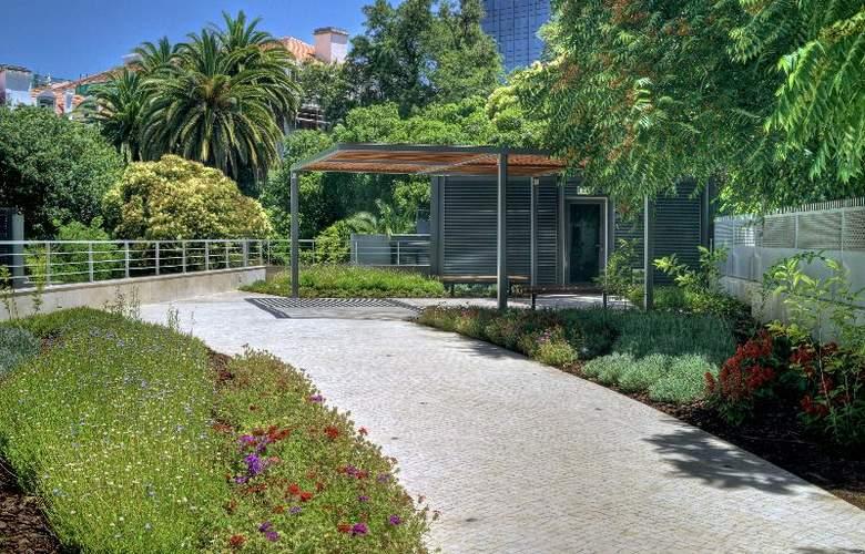 HF Fenix Garden - Terrace - 14