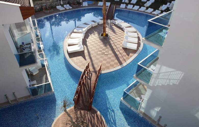 Ocean Blue High Class Hotel - Pool - 11