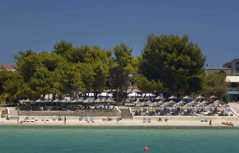 Portes Beach - Beach - 15