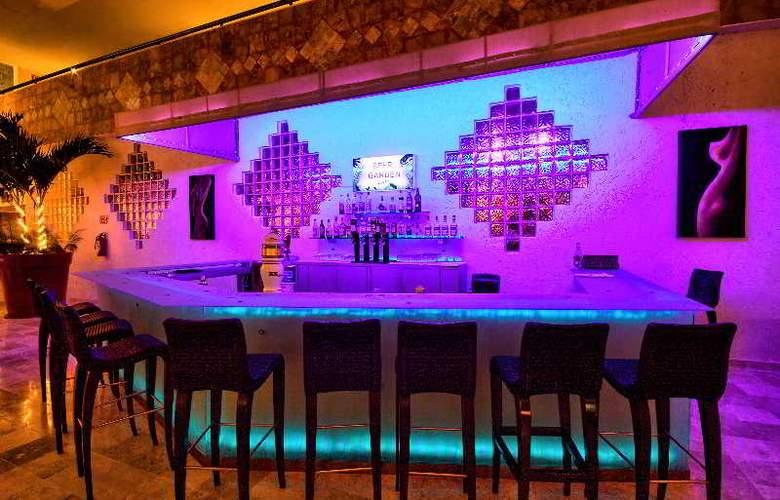 Golden Parnassus Resort & Spa All Inclusive - Bar - 18