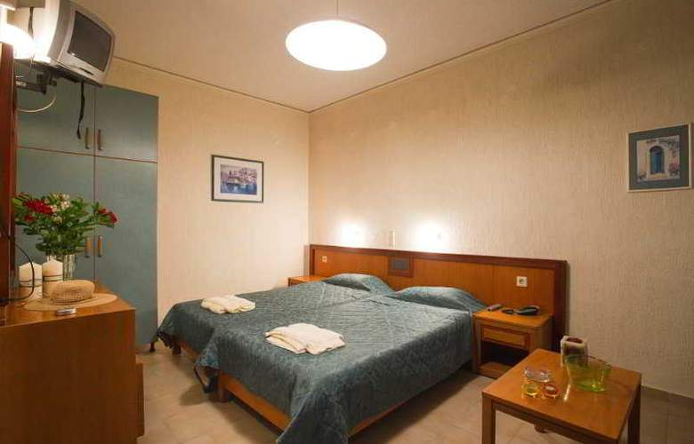 Rainbow Apartments - Room - 10