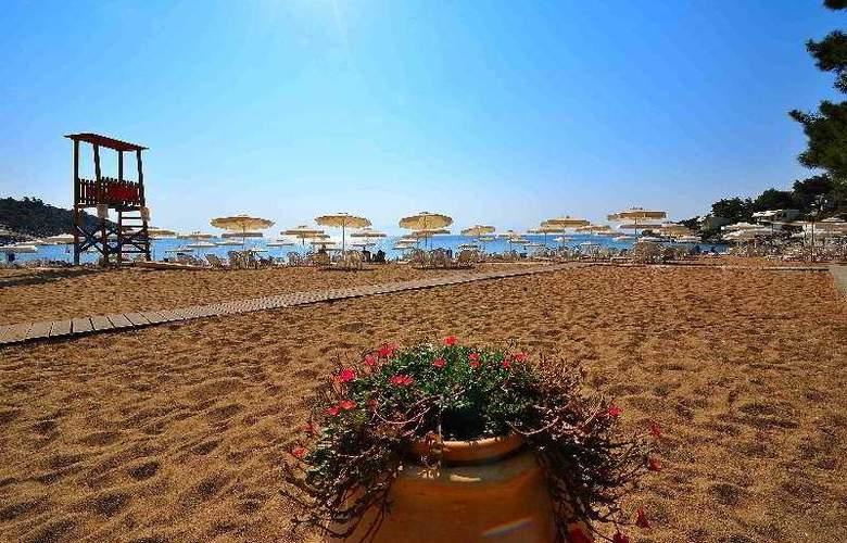 Tosca - Beach - 5