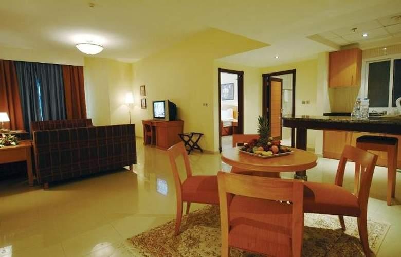 Golden Tulip Sharjah - Room - 4