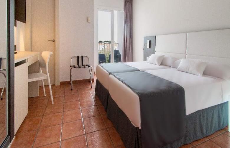 SunConnect Los Delfines - Room - 8