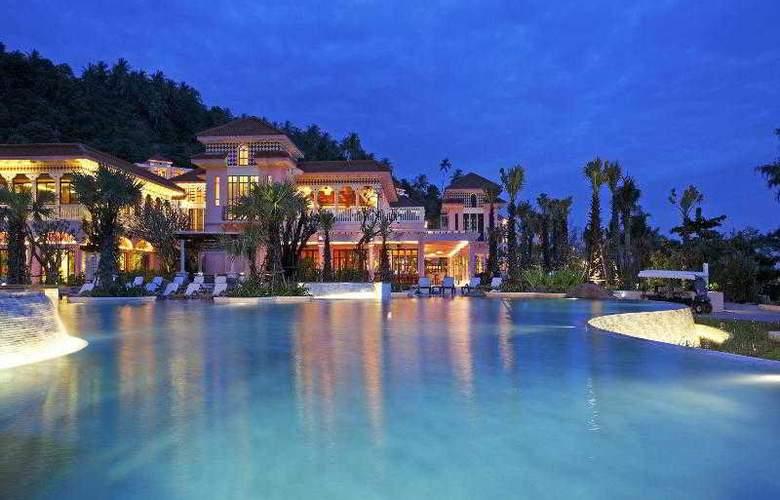 Centara Grand Beach Resort Phuket - Pool - 28