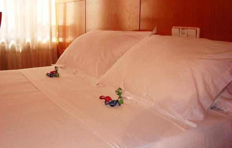 SHS Hotel Aeropuerto - Room - 5