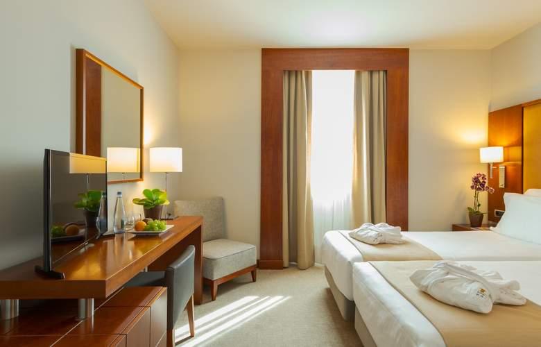 Dom Carlos Liberty - Room - 11