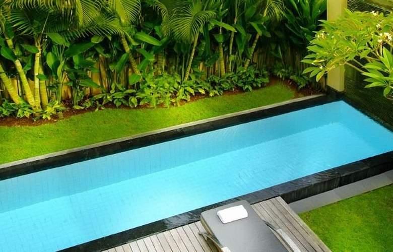 Bali Island Villas & Spa - Pool - 11