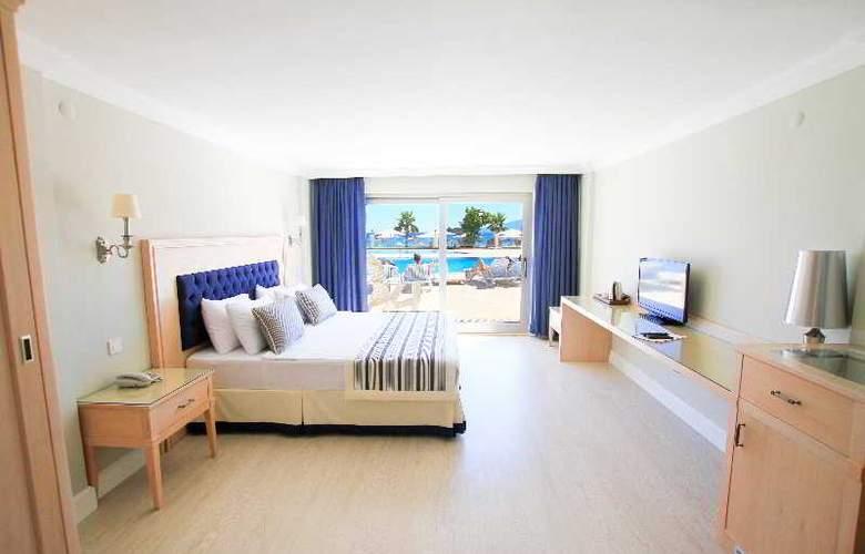 Palm Bay Beach Hotel - Room - 2