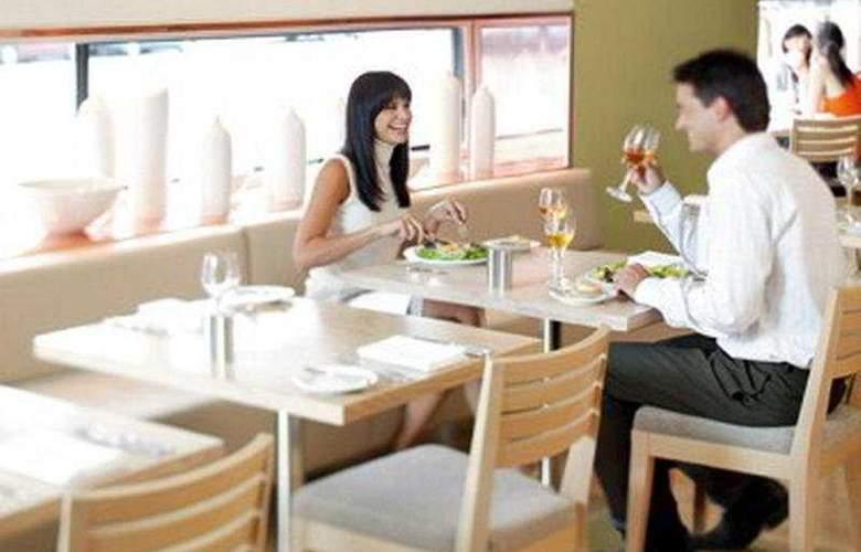 Crown Promenade - Restaurant - 6