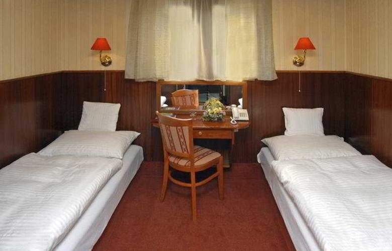 Botel Marina - Room - 4