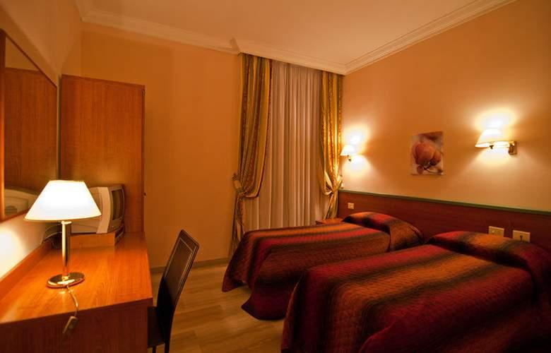 Center 1 & 2 - Room - 7
