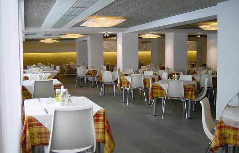 Sol y Sombra - Restaurant - 3