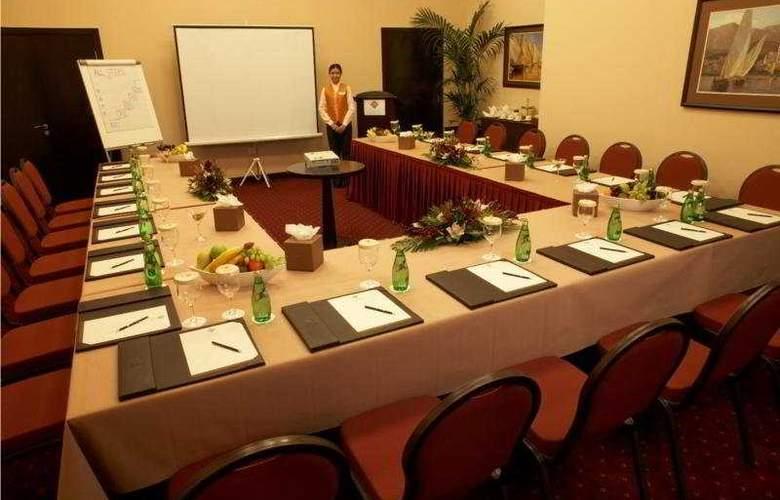 Al Manzel Hotel Apartments - Conference - 5