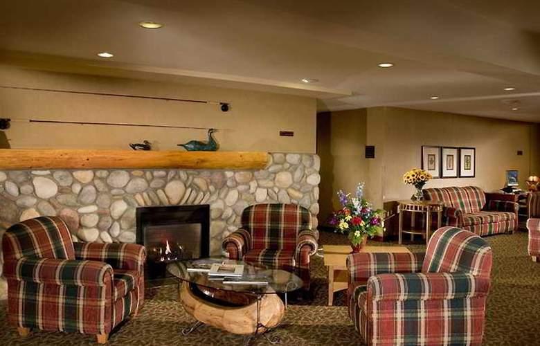 Lobstick Lodge - General - 1