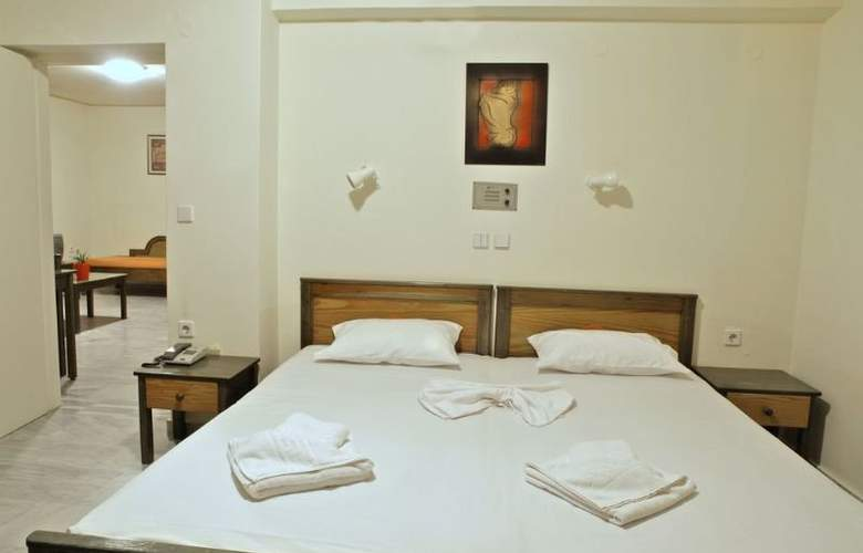 Alexandros M. Studios and Apartments - Room - 1