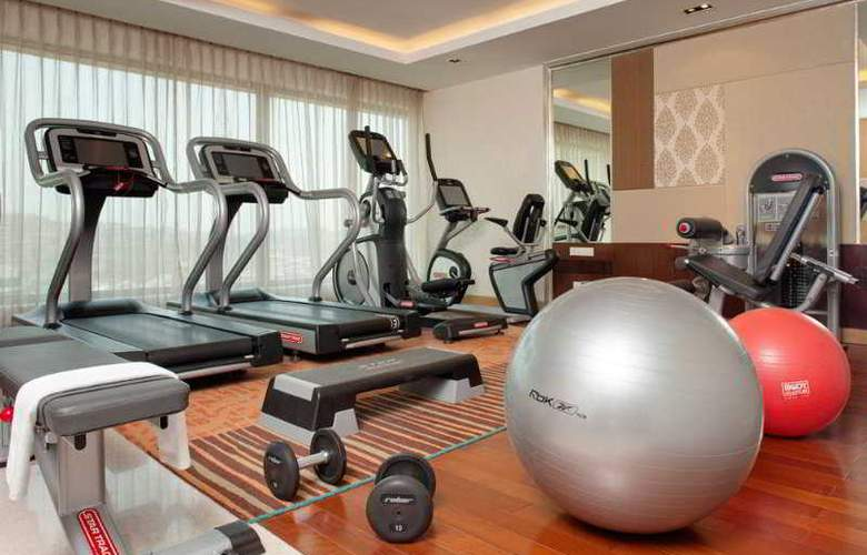 Holiday Inn Mumbai International Airport - Sport - 11