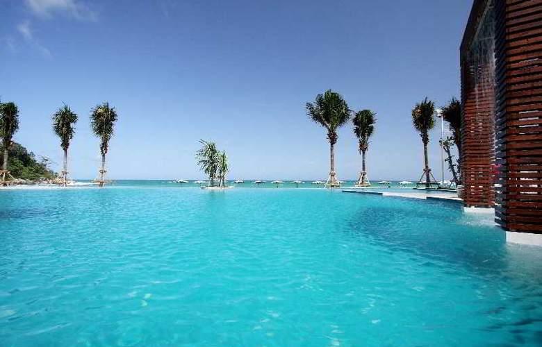 Katathani Phuket Beach Resort - Pool - 18