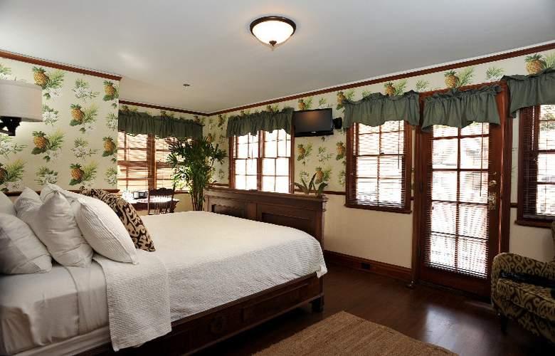 Lahaina Inn - Room - 2