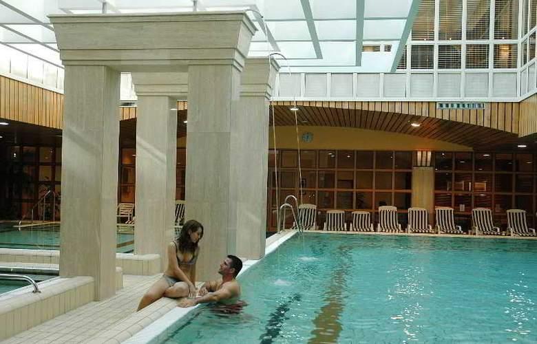 The Aquincum Hotel Budapest - Pool - 10