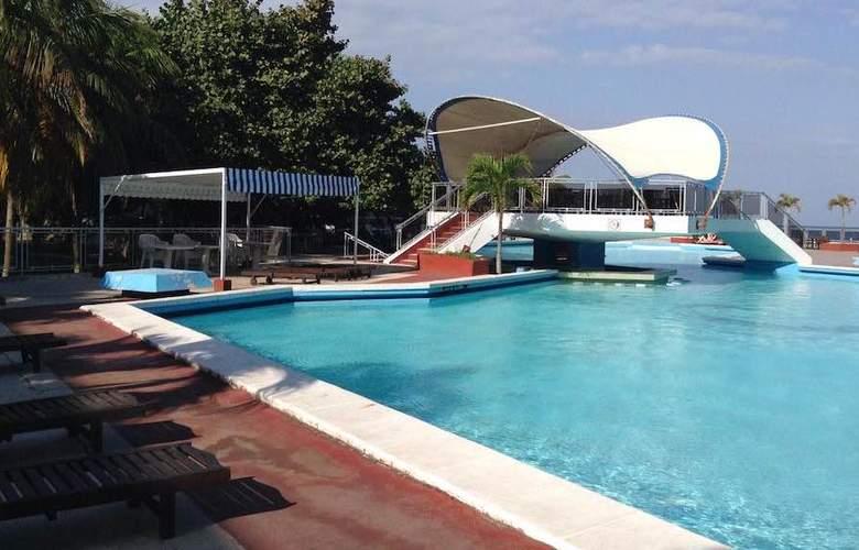Neptuno-Tritón - Pool - 3