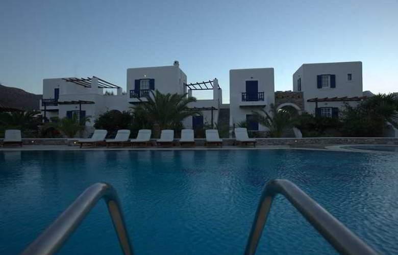 Petros Place - Pool - 8