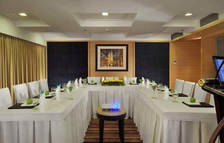 Majestic Court Sarovar Portico - Conference - 4
