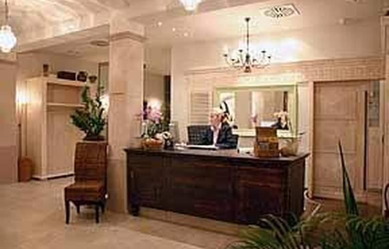 Clarion Hotel Hirschen - General - 1