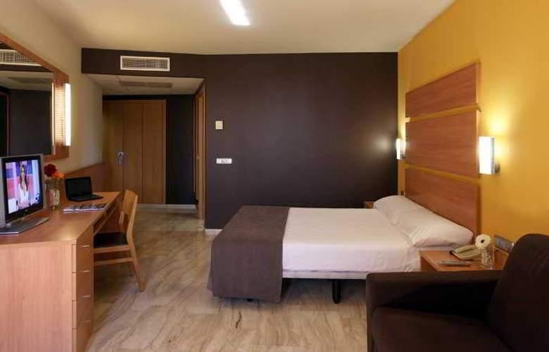 Express Tarragona - Room - 10