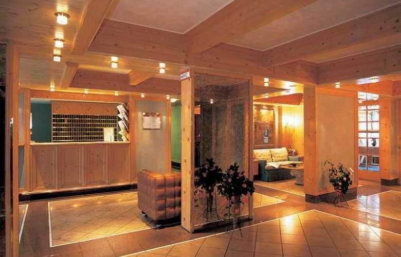 Derag Livinghotel am Deutschen Museum - Hotel - 0