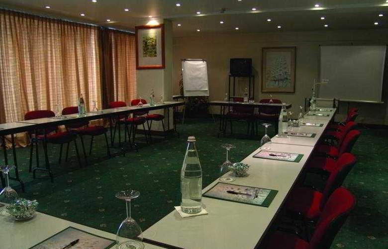 VIP Executive Diplomatico - Conference - 3