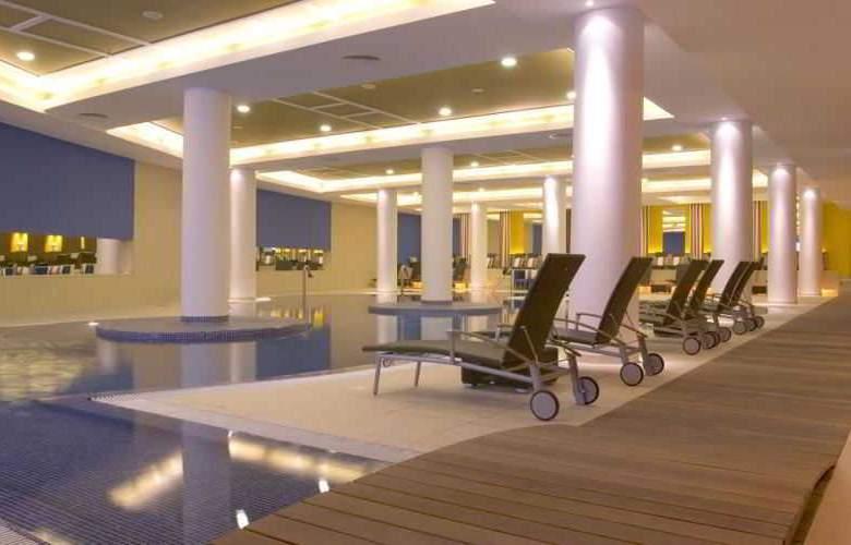 Pestana Casino Park - Pool - 12
