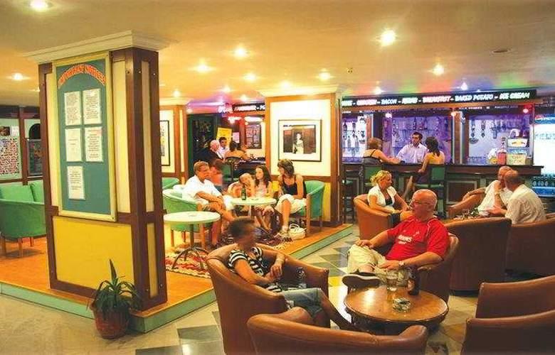 Esra Family Suite - Bar - 9