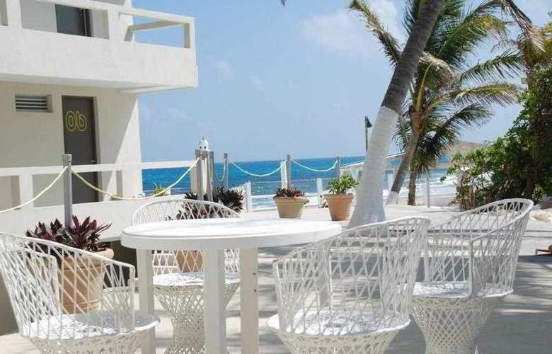 Hotel Rocamar - Terrace - 3