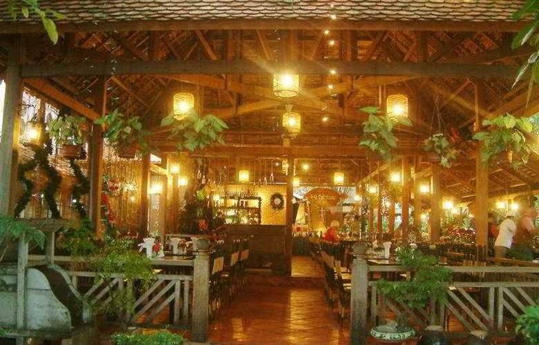 Yasaka Saigon Nhatrang Resort Hotel & Spa - Restaurant - 4