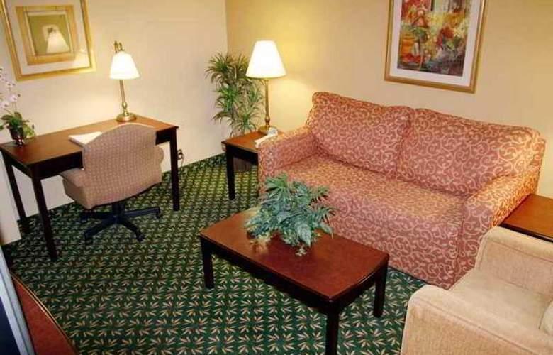 Hampton Inn Dallas-Ft. Worth Airport South - Hotel - 2