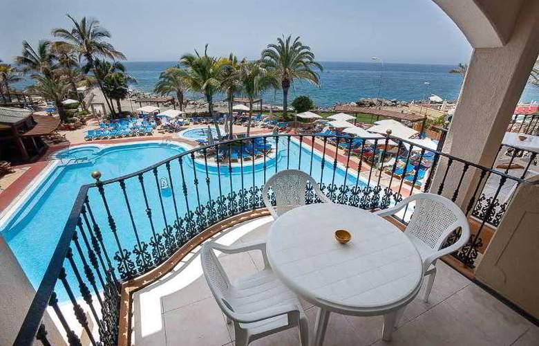 Dorado Beach Aparthotel - Terrace - 13