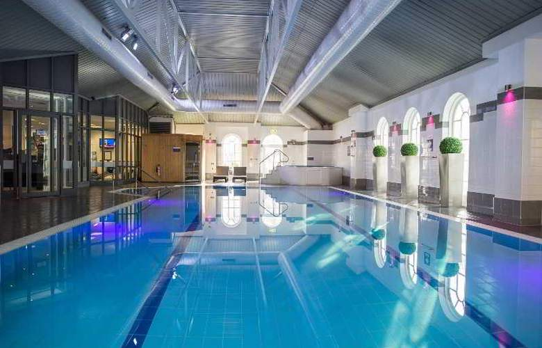 Mercure Southgate - Pool - 45
