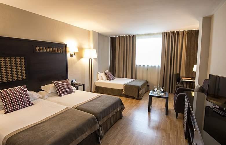 Sercotel Malaga - Room - 8