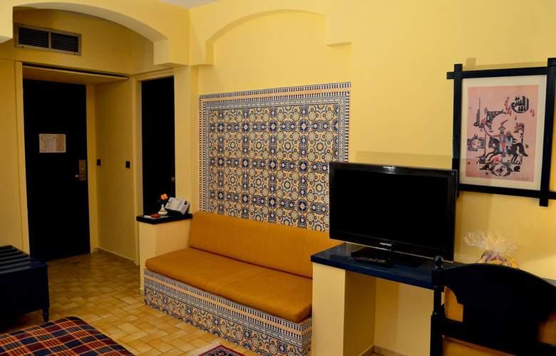 Karam Palace - Room - 12