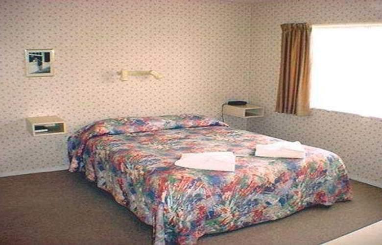 Cranford Court Motel - Room - 2