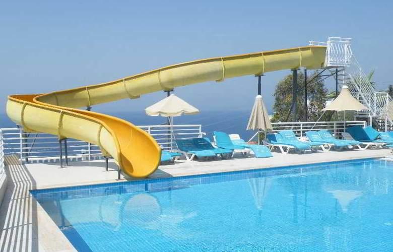 Family Belvedere - Pool - 15