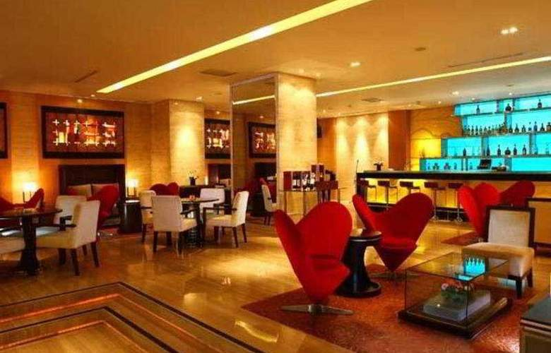 Grand Swiss-Belhotel Medan - Bar - 5