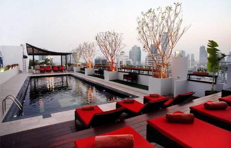 Furama Silom Bangkok - Pool - 11