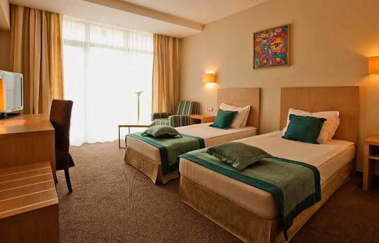 Azalia - Room - 11