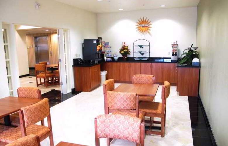 La Quinta Inn And Suites Tulare - Restaurant - 5