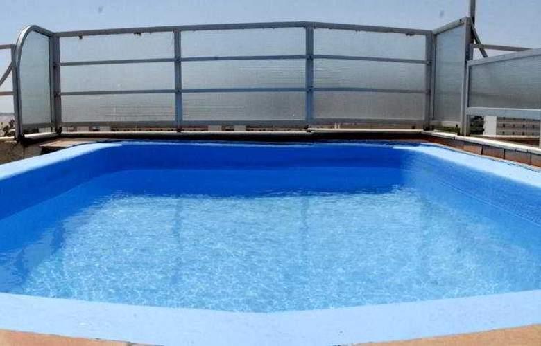 Aparthotel & Spa Acualandia - Pool - 2