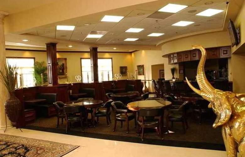 Doubletree Hotel Bloomington - Hotel - 9
